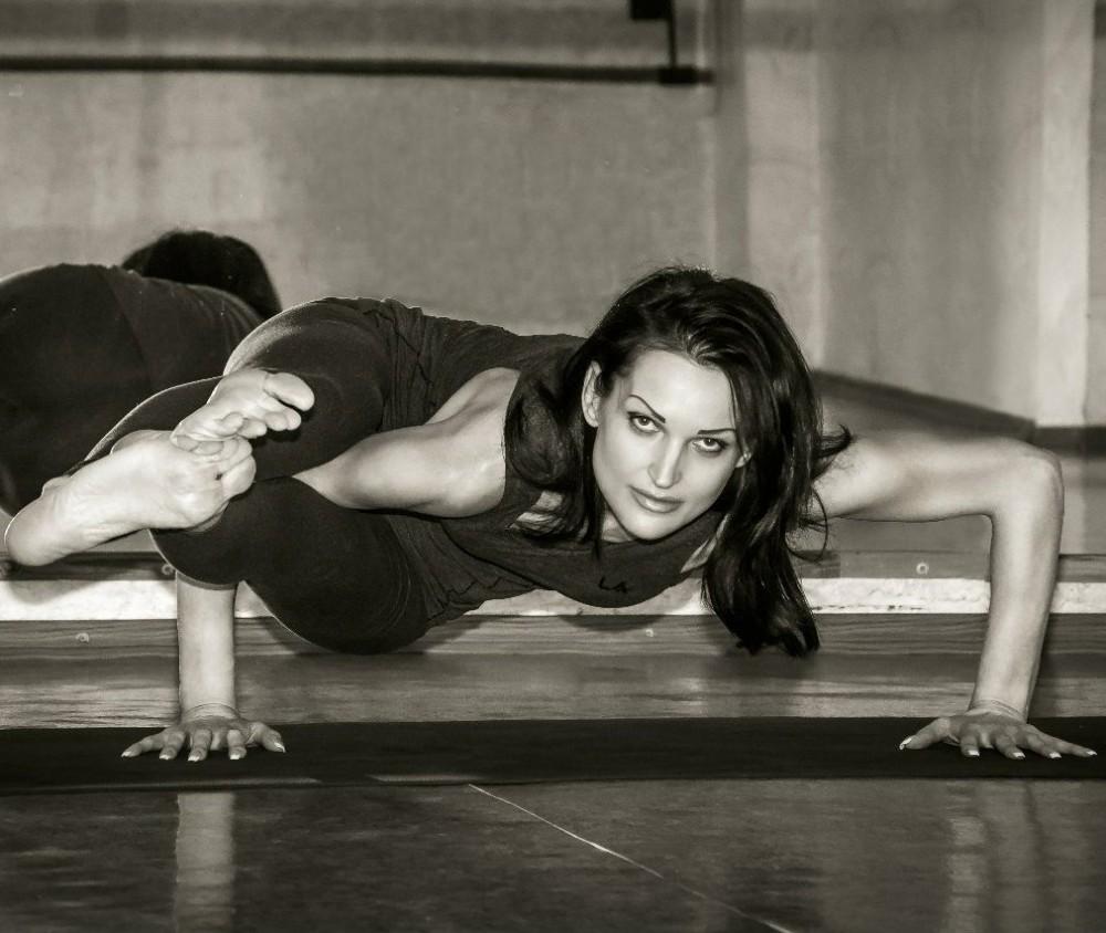 Yoga23<br />воскресенье 09:00-10:30